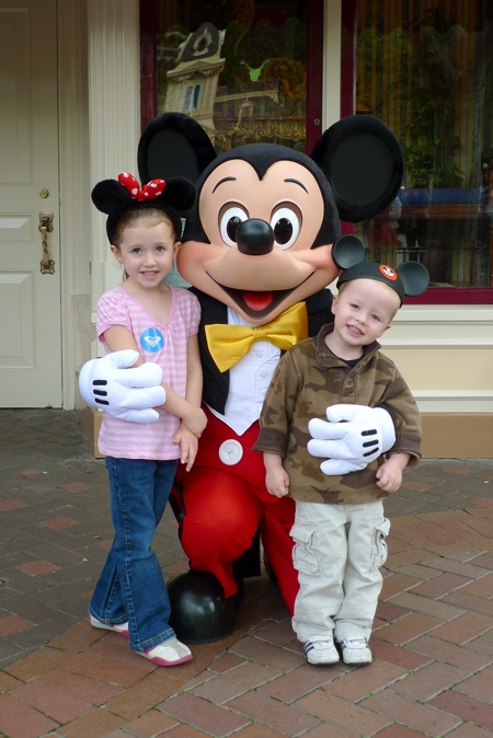 emma_and_evan_with_mickey