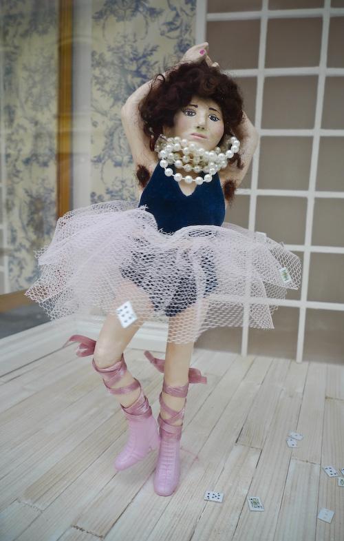 2010_02_28-hairy_armpit_ballerina_01