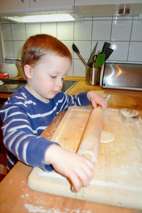 2010_03_22-evan_cooking_01