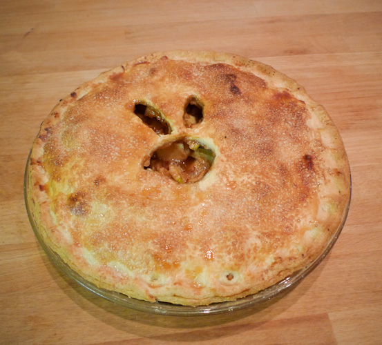 2010_04_04-easter_apple_pie_01
