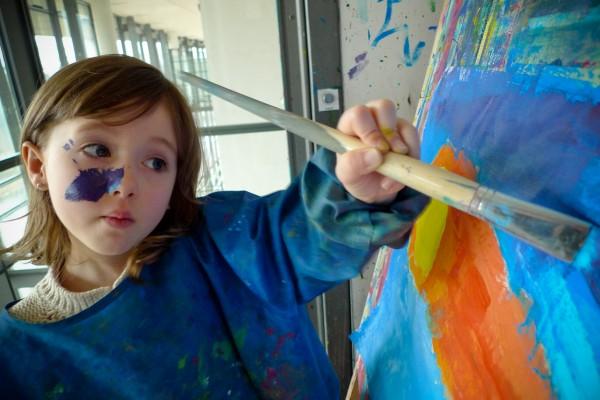 2010_04_05_emma_painting01