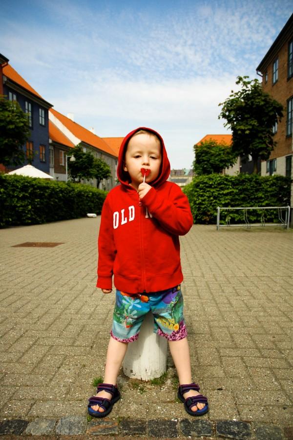 2010_06_16-helsingor_evan_with_lollypop