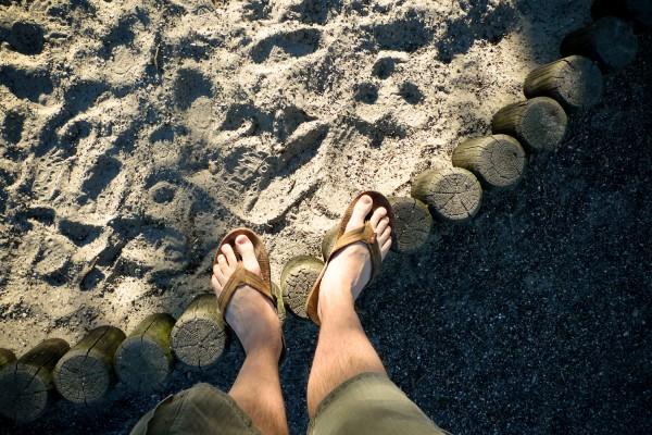 2010_06_22-sandals_and_sandbox